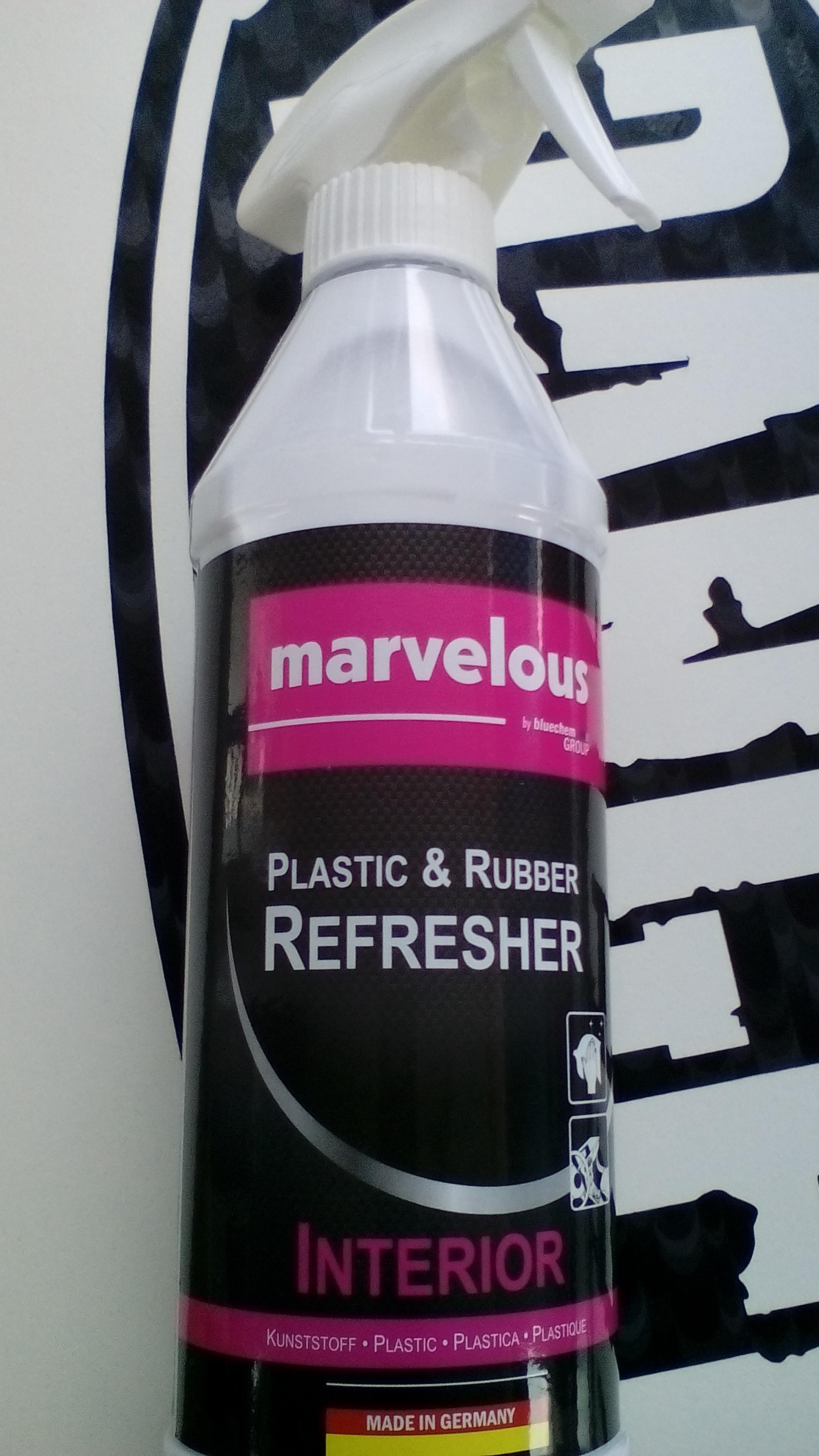 Oživovač vnitřních plastů interiéru (Marvelous oživovač plastů a gumy - Interiér)