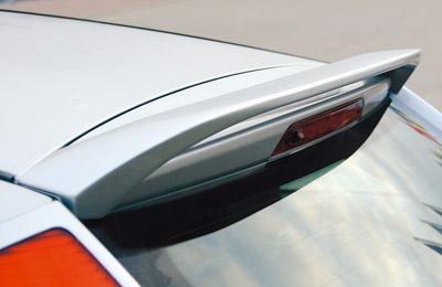 Ford Focus 3 dveř. křídlo nad zadní okno