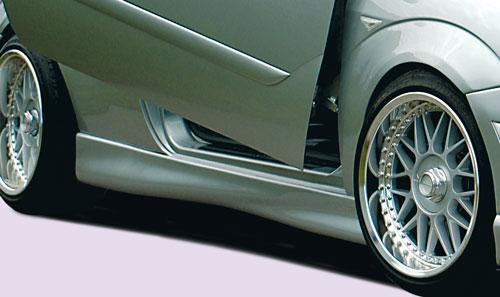 Ford Focus 3 dveř. boční nástavce prahů