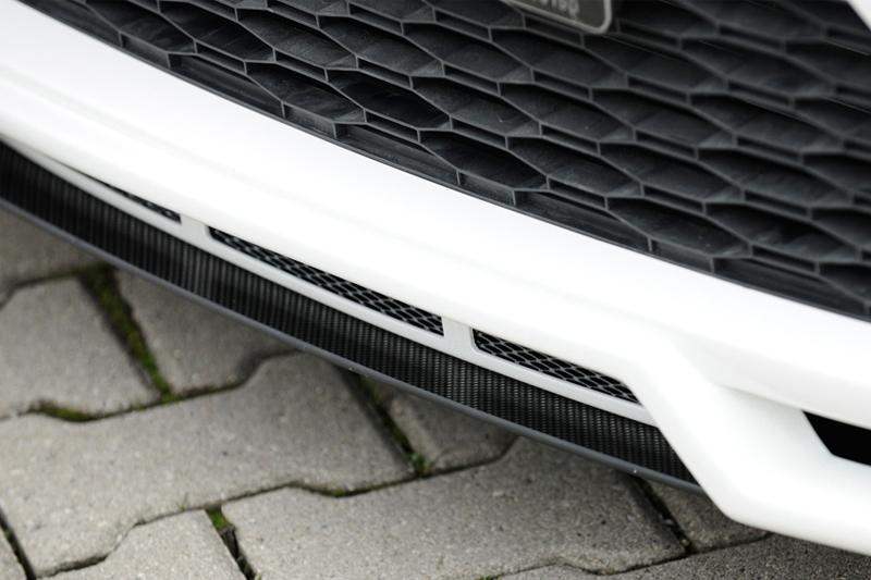 Seat Leon 5F lipa pod spoiler nárazníku (úprava Carbon-look)