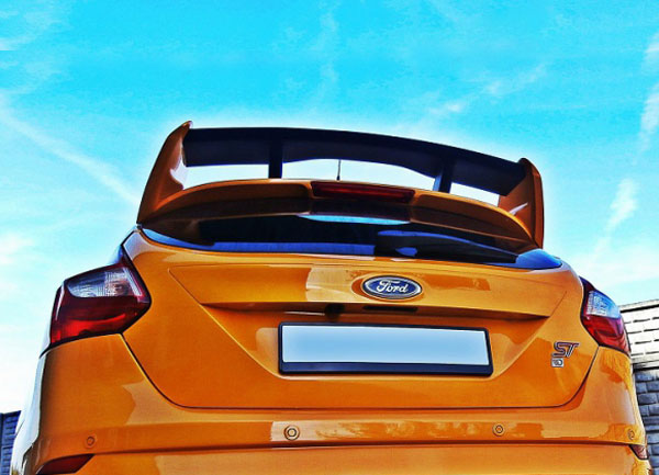 Ford Focus III střešní spoiler RS Look (Ford Focus III pro rok výroby od 2010)
